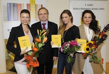 001 Elen Valentová Černá Doc. A. Pařízek A. Verešová a J. Čvančarová cDSC7090
