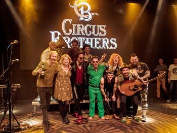 1 Circus Brothers a kmotři