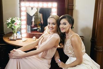 2 Iva Kubelková a Táňa Kuchařová v zákulisí ND IMG 8283 1
