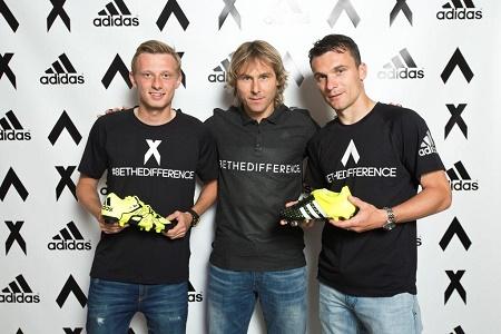 Krejčí Nedvěd a Lafata s novými kopačkami adidas X a ACE