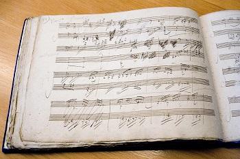 foto 03 partitura v Beethovenove rukopisu c Michael Sondermann